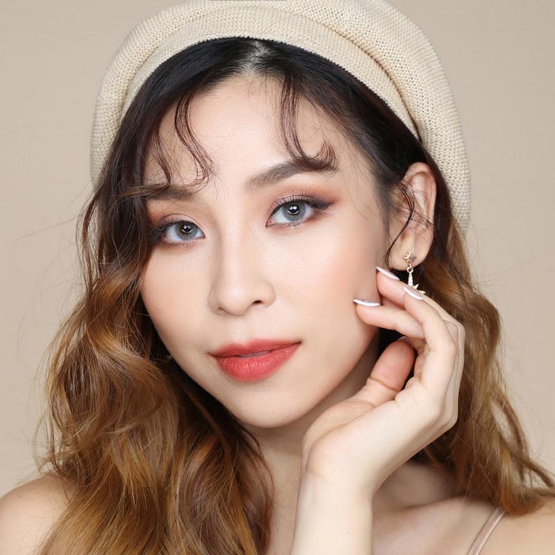 Tina Yong Photo