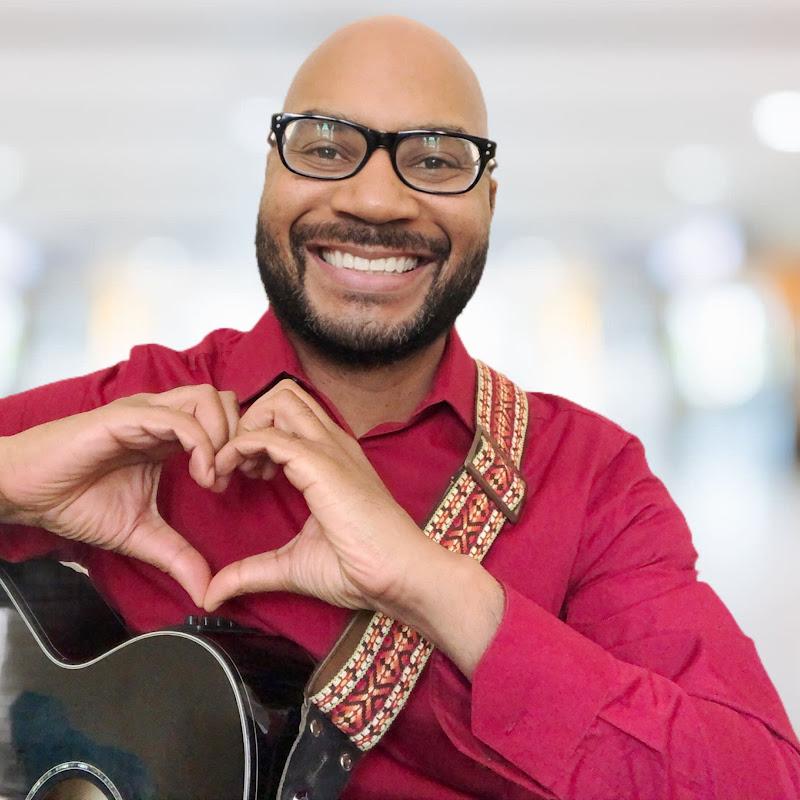 Moustro (moustro-plays-ukulele)