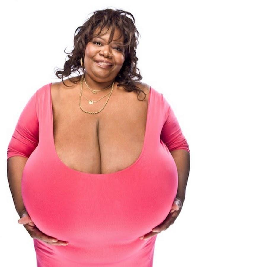 огромный размер груди многих фото изображены