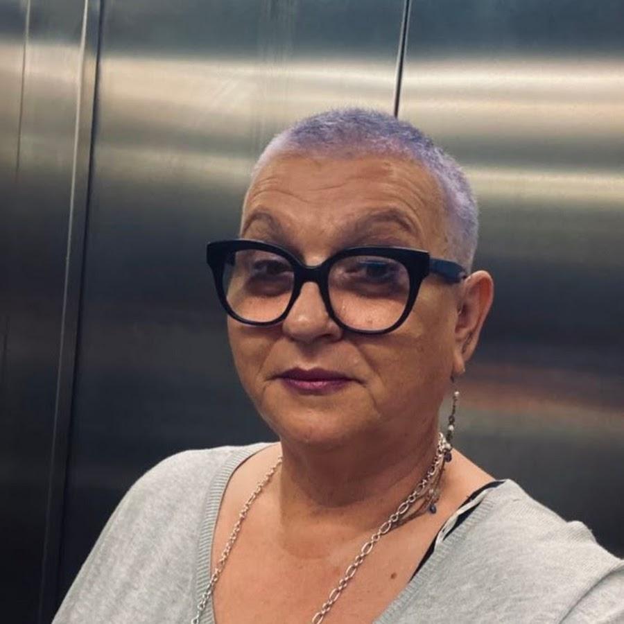 Девочка и платье прикольные картинки