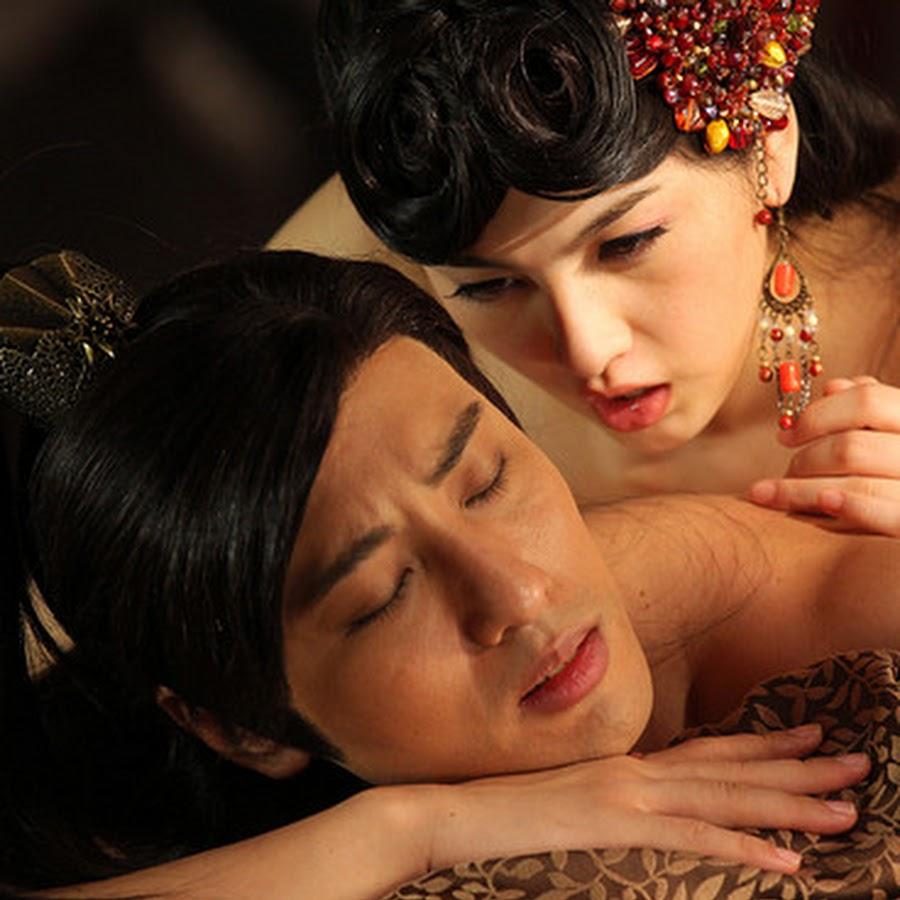 smotret-aziatskoe-eroticheskoe-kino-seks-foto-mnogo-foto-seks