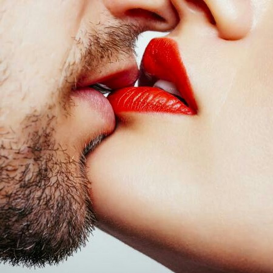 ласковые слова, поцелуи в стеснительные губки необходимо