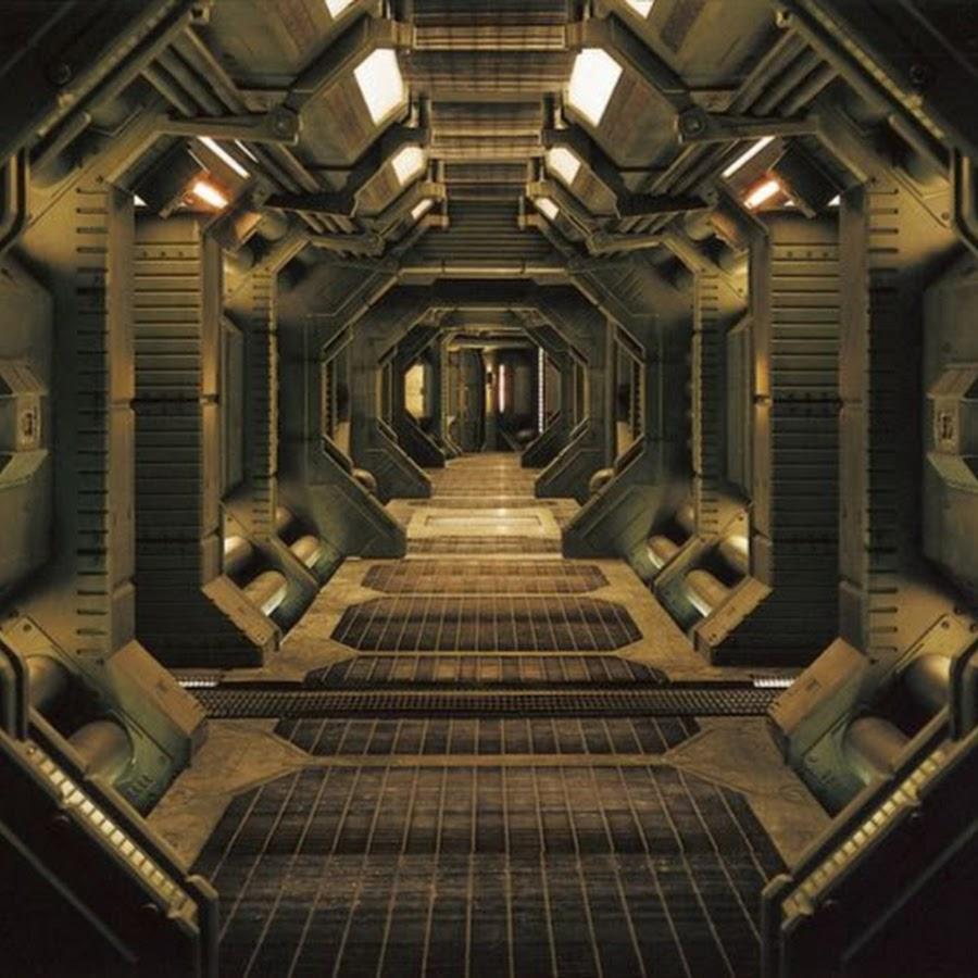 alien inside ship - 800×709