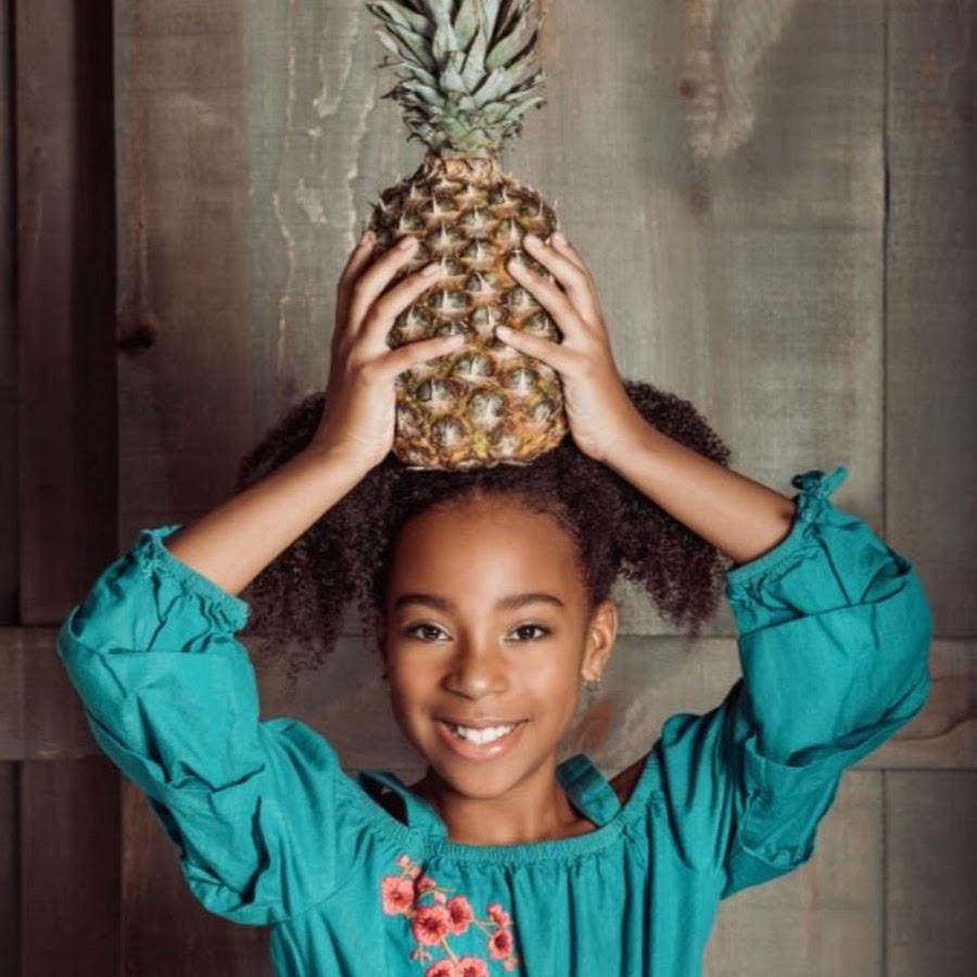 how to carve a pineapple like a pumpkin