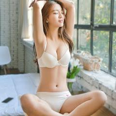 Progressive girl flo nude
