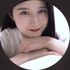 八田エミリHatta Emily YouTuber