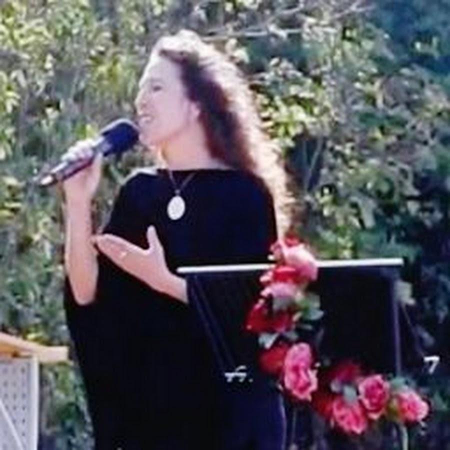 Gundula Braum - Sängerin und Sprecherin aus Mainz - YouTube