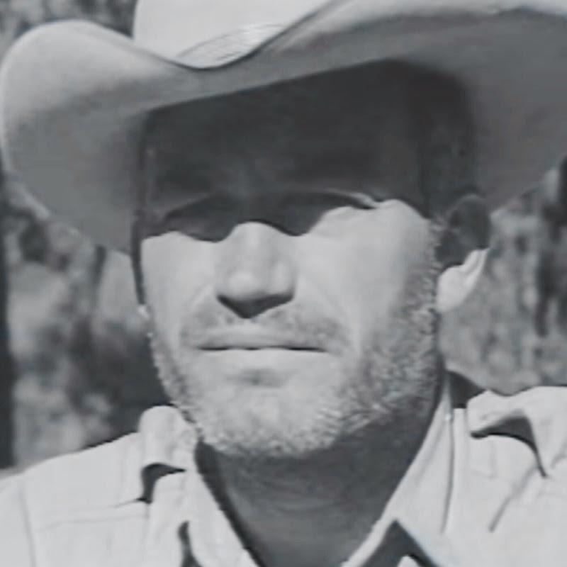 Leon Schrader