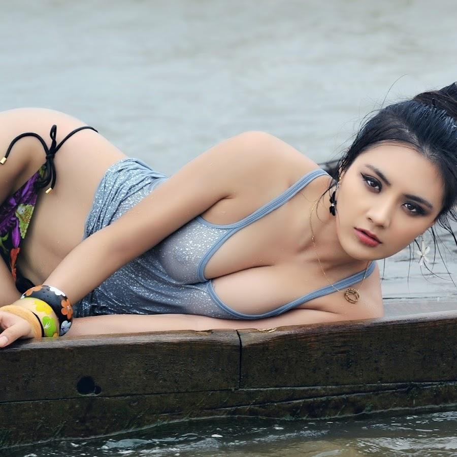 foto-uzbekskiy-seksualnaya-devushki-muzh-smotrit-kak-zhenu-ebut-na-hor