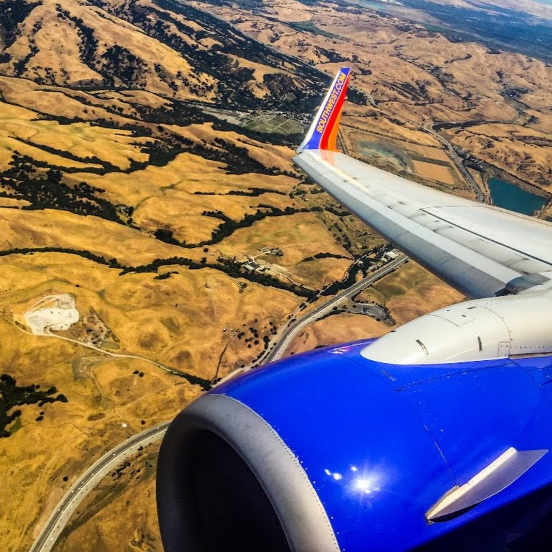 FULL FLIGHT: American 737-800 ORD-SNA-Main Cabin Extra Youtube video