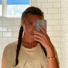 Hannah Meloche Vlogs Net Worth