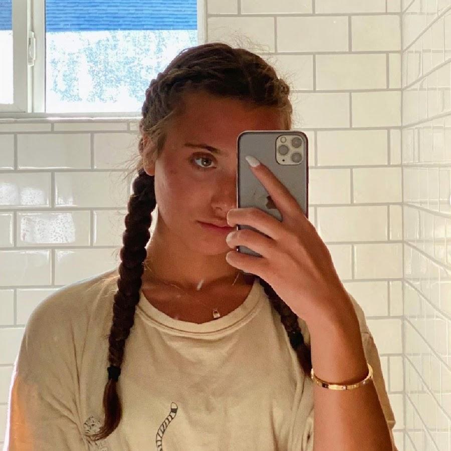 Hannah Meloche Vlogs