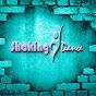 clau Gut Shaking Dance