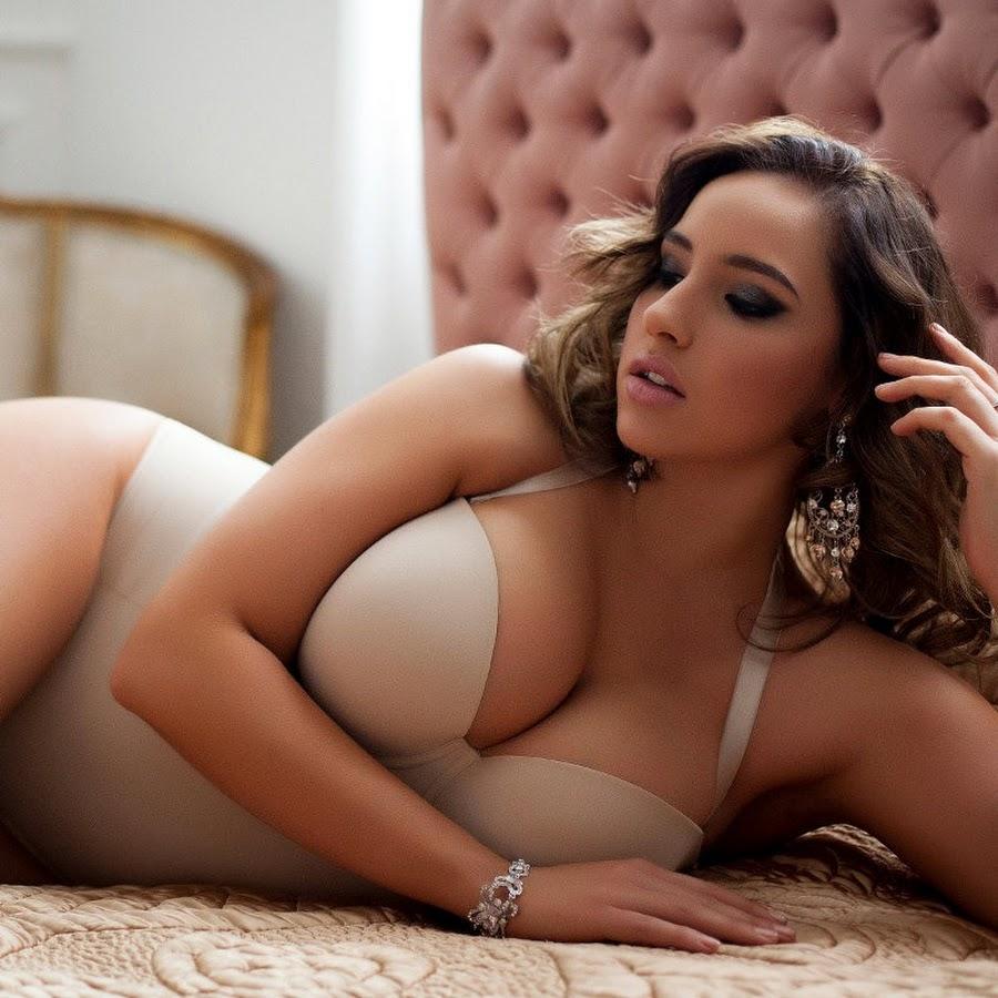 Жопа спящий видео молодых голых толстушек сексуальные