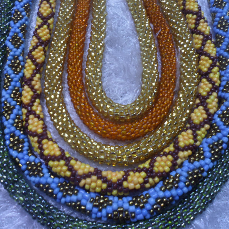 f49e449705774 شرح شنطة كروشيه بغرزة الزجزاج مع أم القمرين جزء 1 how to crochet a ...