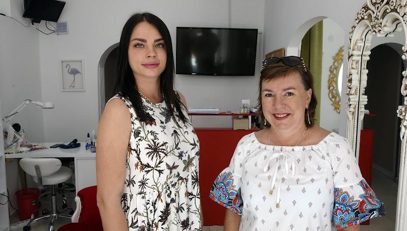 Как украинцам открыть в Аланье косметологичский салон