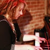 Julie Lamontagne - Topic