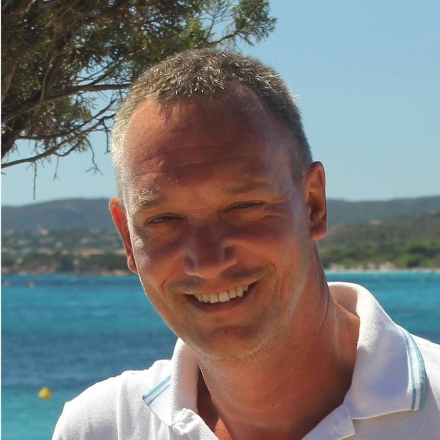 Alain Chomik YouTube channel avatar