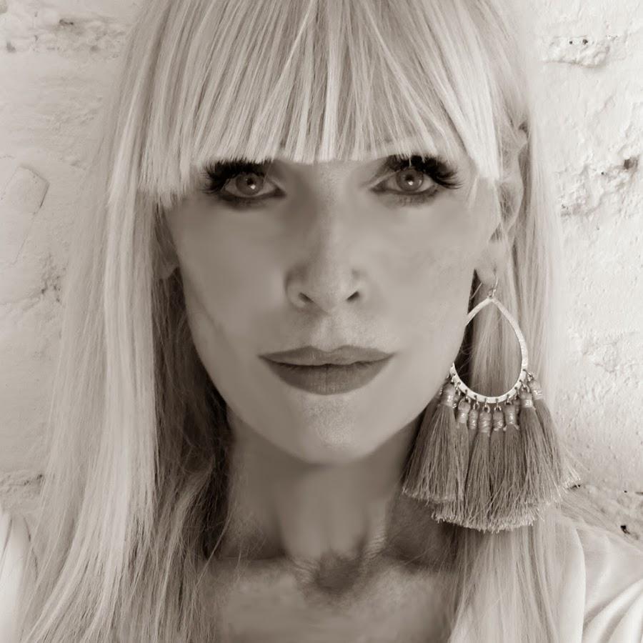 Caroline Scott