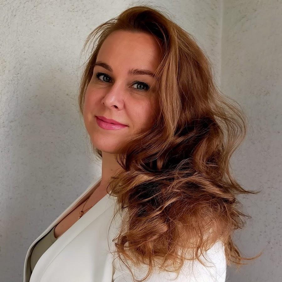 Ioulia Nicole
