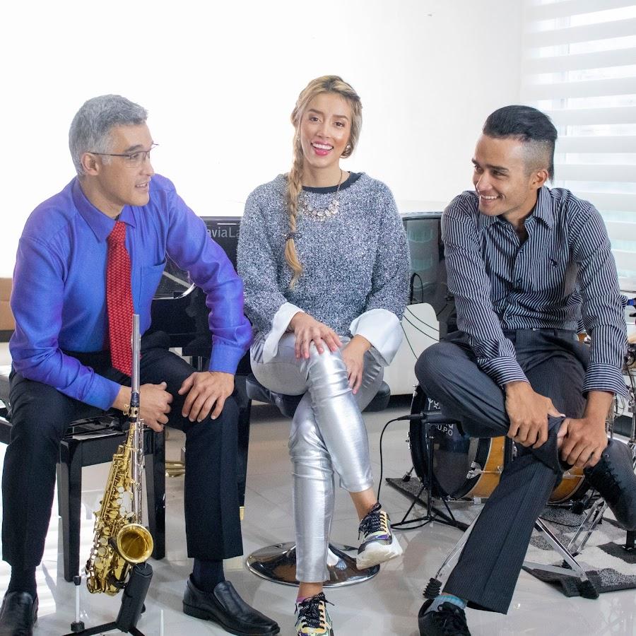 Chucho Sierra Savia Latina  - Saxofonista en Medellín