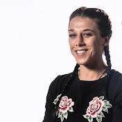 Joanna Champion Income