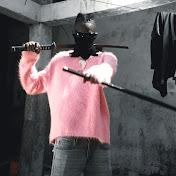 Samba Peuzzi net worth