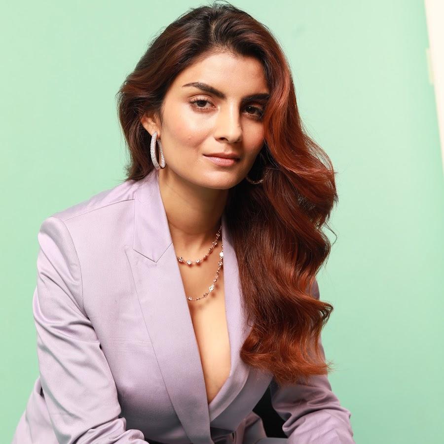 Anveshi Jain - YouTube