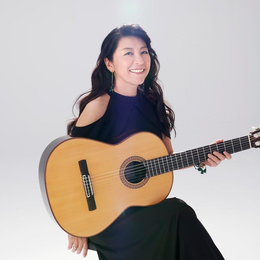 リサ 小野 Biography