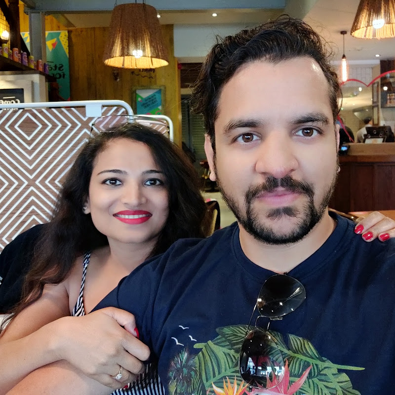Desi Couple in London (desi-couple-in-london)