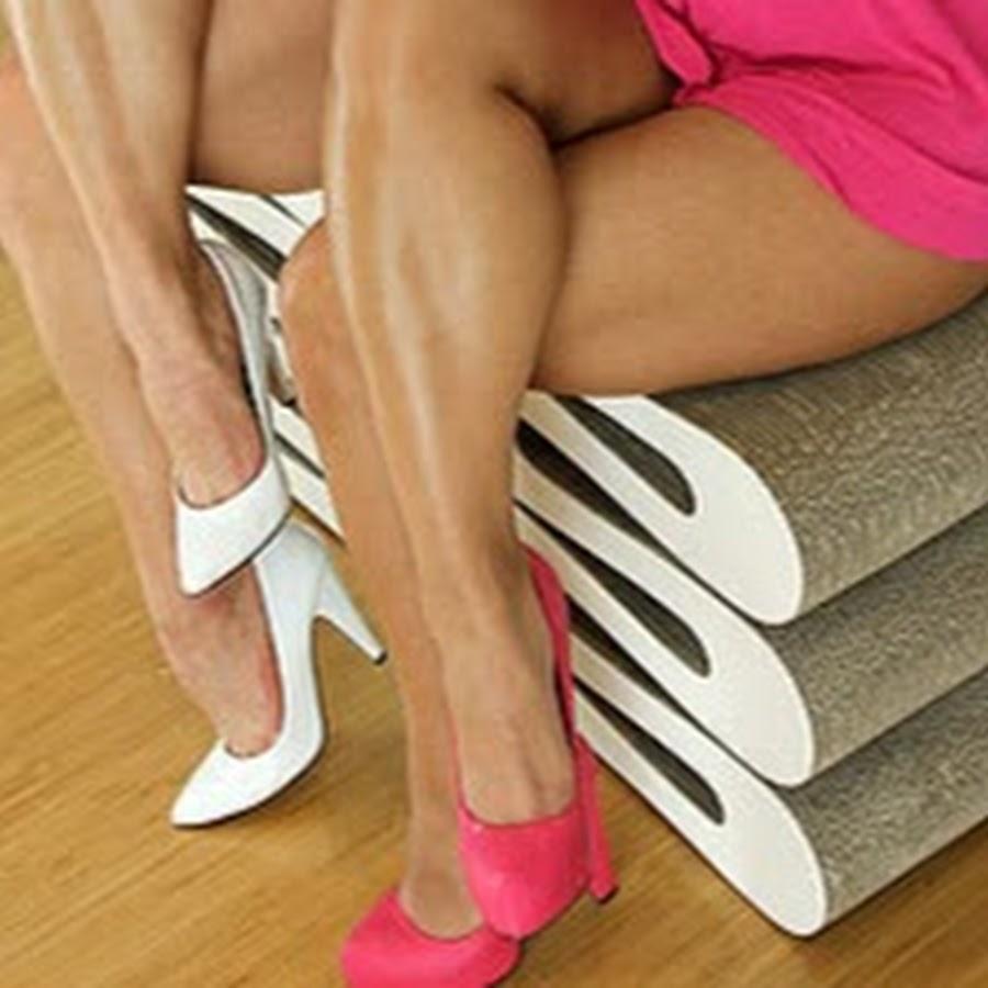 Legshow Leg tease,